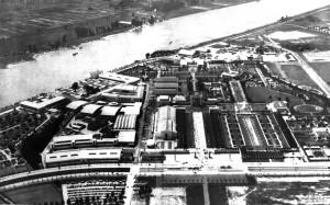 A390 Luftbild des Ausstellungsgeländes. Im Zentrum d ie umgebaute Neue Kunstakademie, rechts das Gartengelände, links d ie Hallenschau. Q Maiwald 1939 Bd 1, o.S