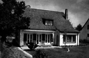A733 Der zur Straße liegende Garten von GS 21, Architekt H.N. Schröder Q MB 1937.367