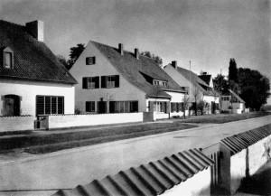 A750 Die Häuser an der Karl-Kleppe-Straße (v.l. GS 85, 84, 83 und 82) Q MB 1937.368