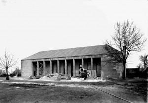 A810 Die Wiederinstandsetzung durch die Engländer nach dem Krieg. Deutlich erkennbar ist die veränderte Dachform des sogenannten Ballhauses. Q LBS 205‐34